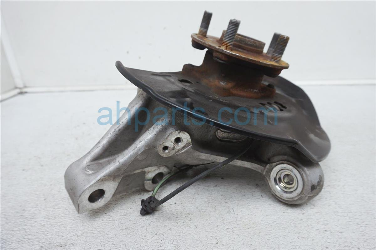 2012 Toyota Prius Hub Front Passenger Spindle Knuckle   43550 47011 Replacement
