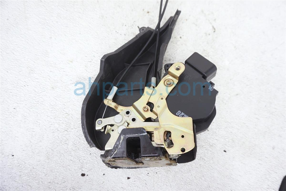 2001 Lexus Is300 Rear Driver Door Latch Actuator Lock 69140 51010 Replacement