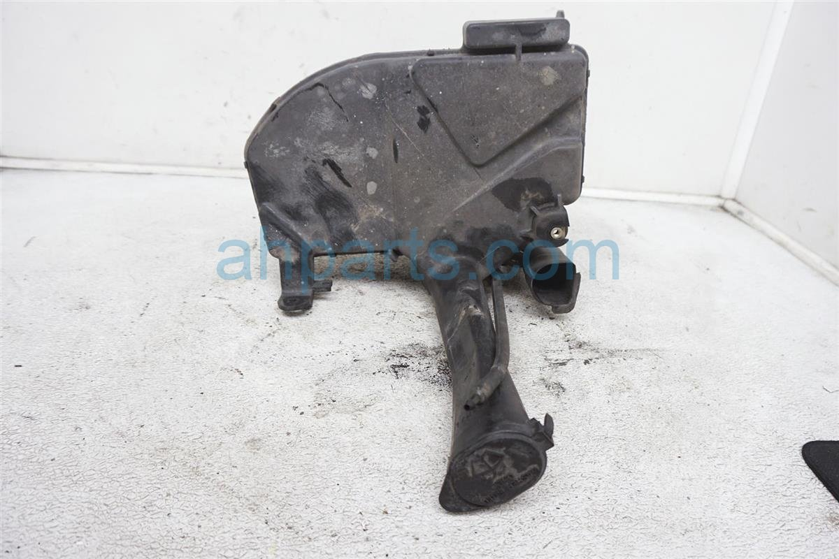 2001 Lexus Is300 Washer Reservoir Tank   85315 53040 Replacement