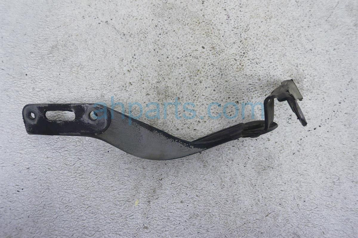 2006 Honda Civic Driver Hood Hinge   Blk 60170 SNA A00ZZ Replacement