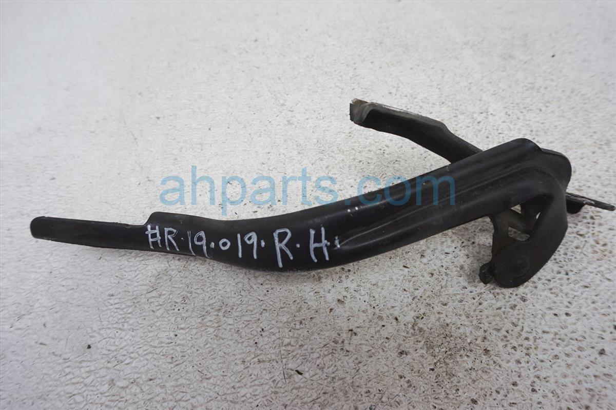 2006 Honda Civic Passenger Hood Hinge   Black 60120 SNA A00ZZ Replacement
