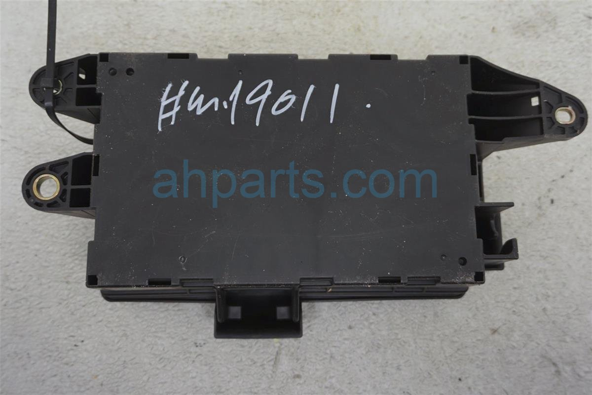 2001 Lexus Ls430 Luggage / Trunk Fuse Box 82670 50071 Replacement