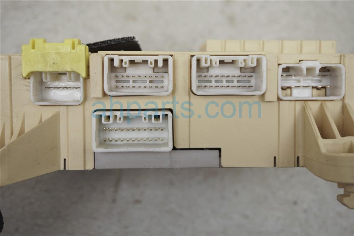 2001 Lexus Ls430 Passenger Fuse Box 82730 50100 Replacement