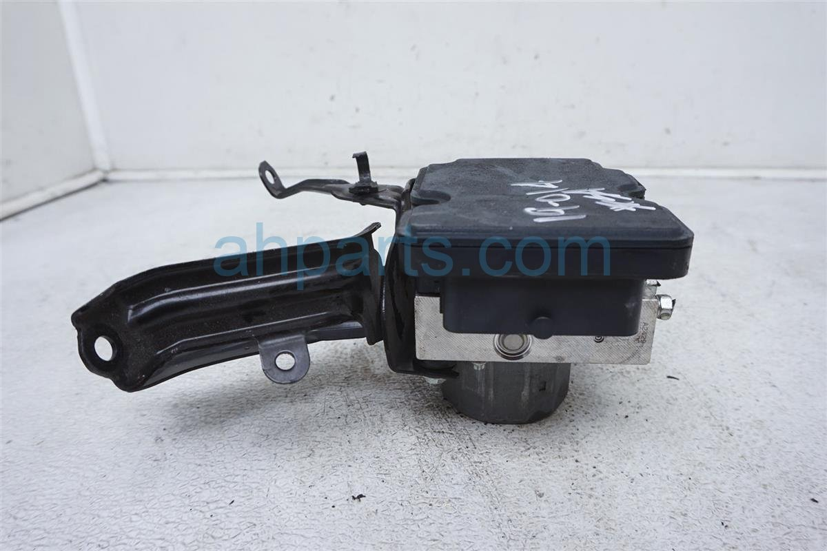 2016 Scion FR S (anti Lock Brake) Abs/vsa Pump/modulator SU003 05762 Replacement