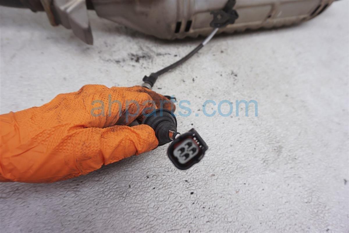 2006 Honda Civic Middle Oxygen Sensor 36532 RRA 004 Replacement