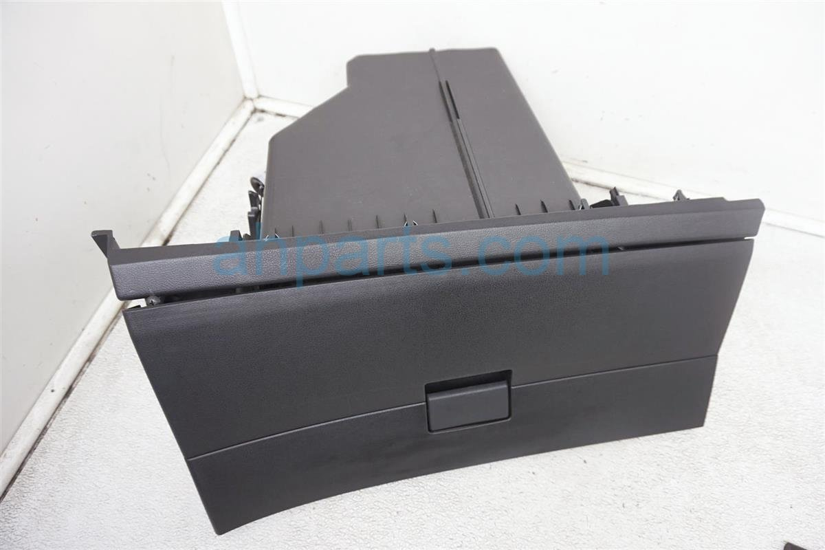 2012 Nissan Rogue Glove Compartment Box Black 68520 CZ30A Replacement