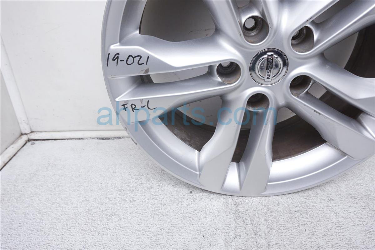 2012 Nissan Rogue Front Driver Wheel/rim D0C00 3UB1A Replacement