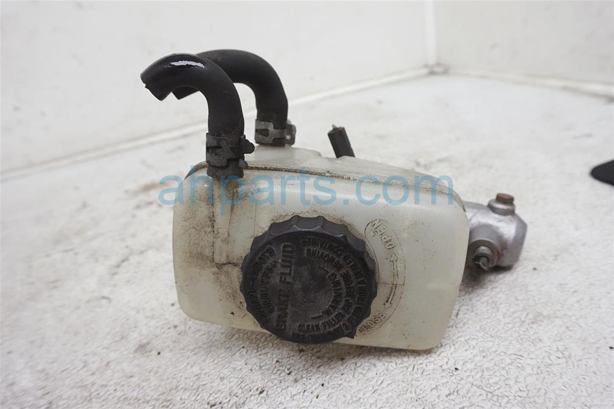 2001 Lexus Is300 Brake Master Cylinder 47201 53130 Replacement