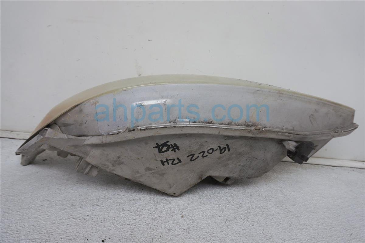 2003 Toyota Camry Headlight Passenger Head Light / Lamp 81110 AA070 Replacement