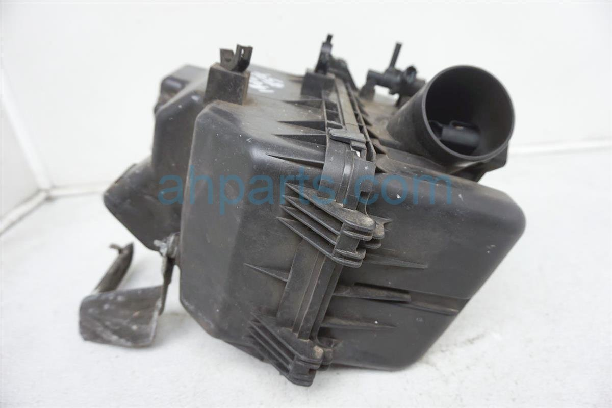 2003 Toyota Camry Air Cleaner Intake Box 17700 0H010 Replacement