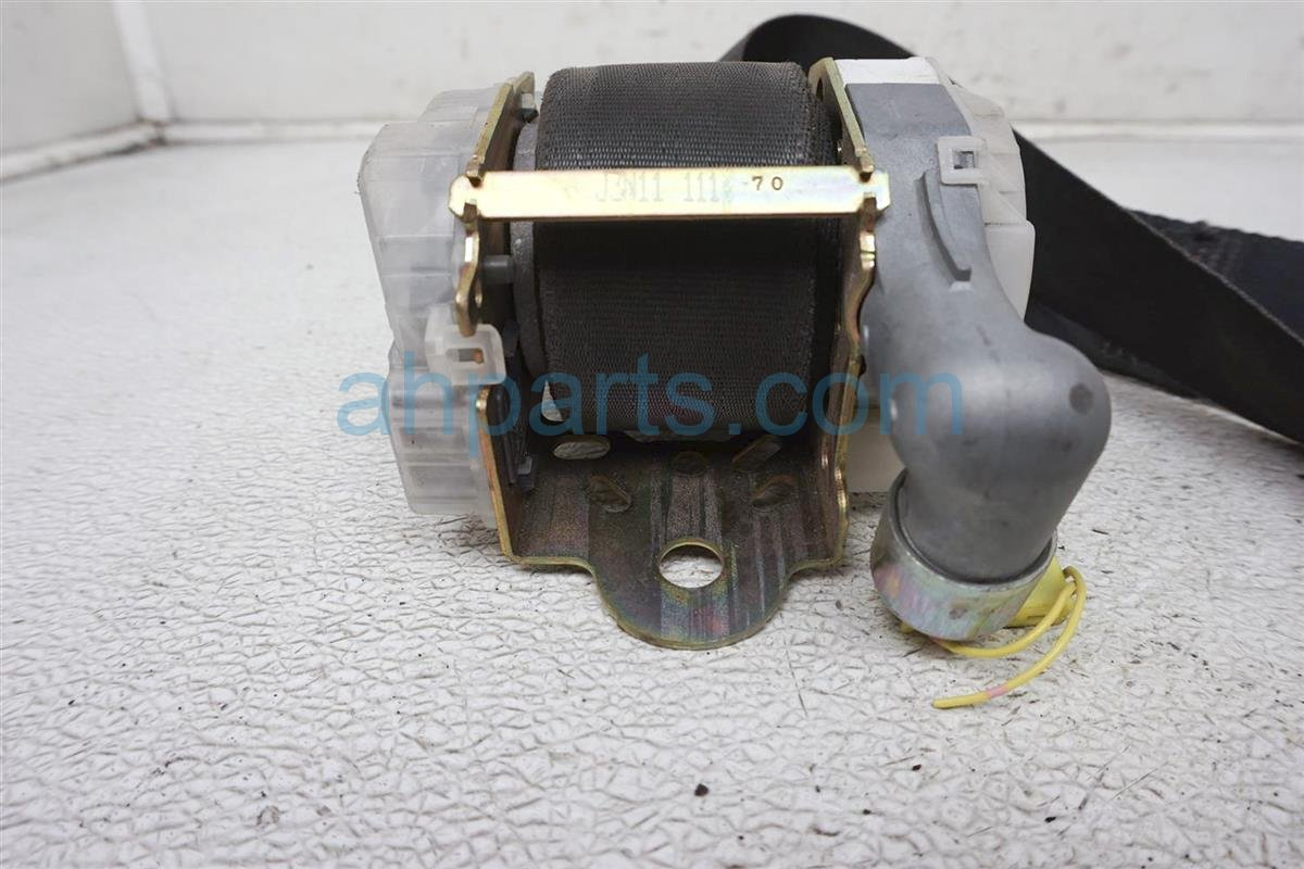 2004 Infiniti Q45 Front Driver Seat Belt   Black 86885 AT803 Replacement