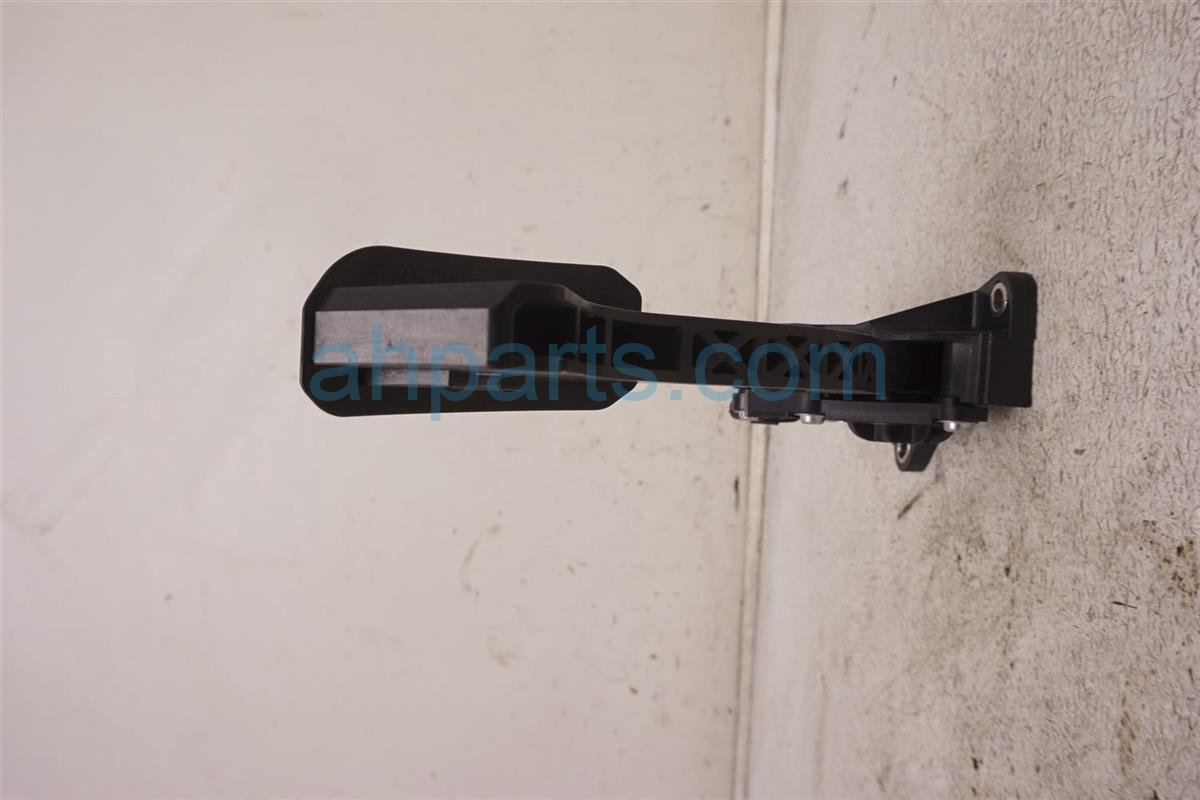 2012 Toyota Prius Gas / Acclerator Pedal Assy 78110 12050 Replacement