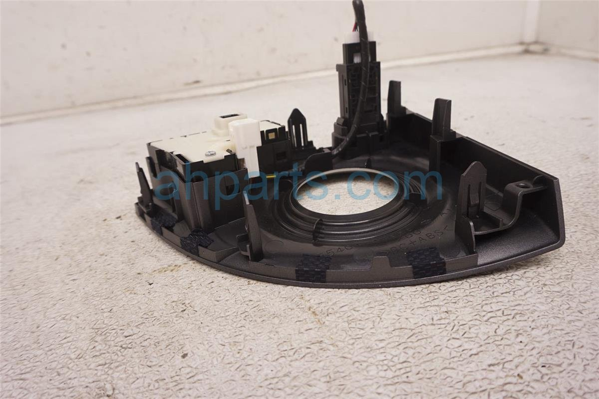 2012 Toyota Prius Shifter Bezel Trim + Switch Assy 55404 47060 Replacement