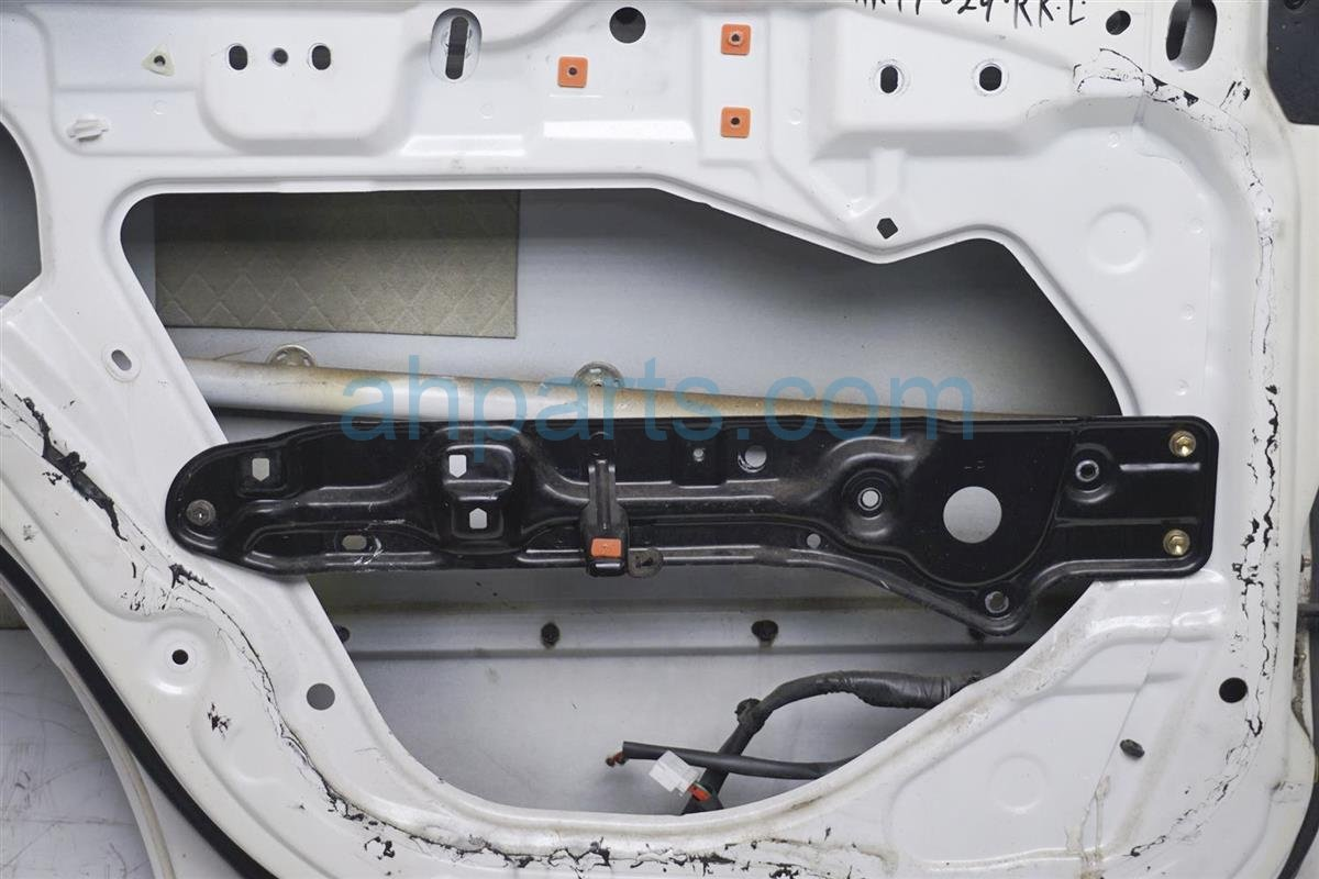1994 Lexus Es300 Rear Driver Door   Shell White 67114 33010 Replacement
