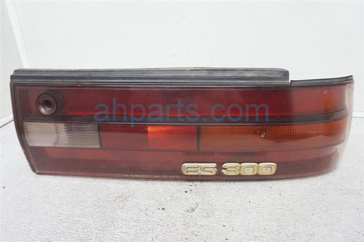 1994 Lexus Es300 Rear Passenger Tail Lamp   Light On Body 81550 33050 Replacement