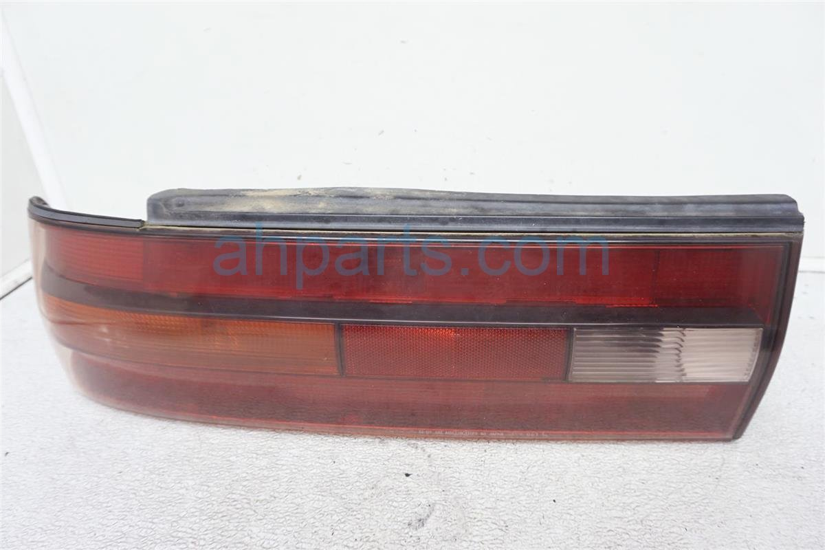 1994 Lexus Es300 Rear Driver Tail Lamp   Light On Body   81560 33050 Replacement
