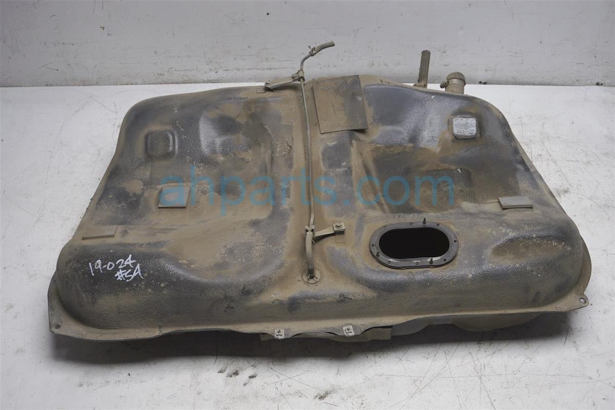 Sold 1994 Lexus Es300 Gas / Fuel Tank   77001 39315 Replacement