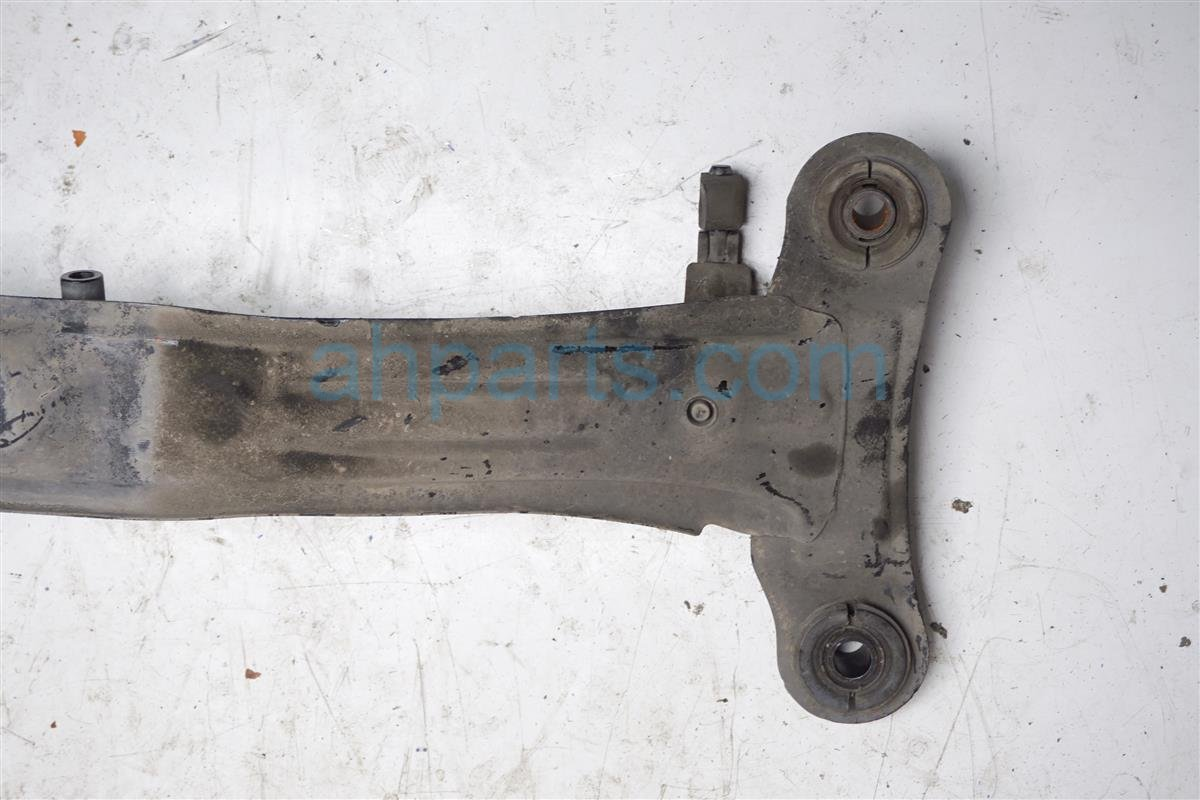 1994 Lexus Es300 Crossmember Rear Sub Frame / Cradle Beam 51206 33011 Replacement