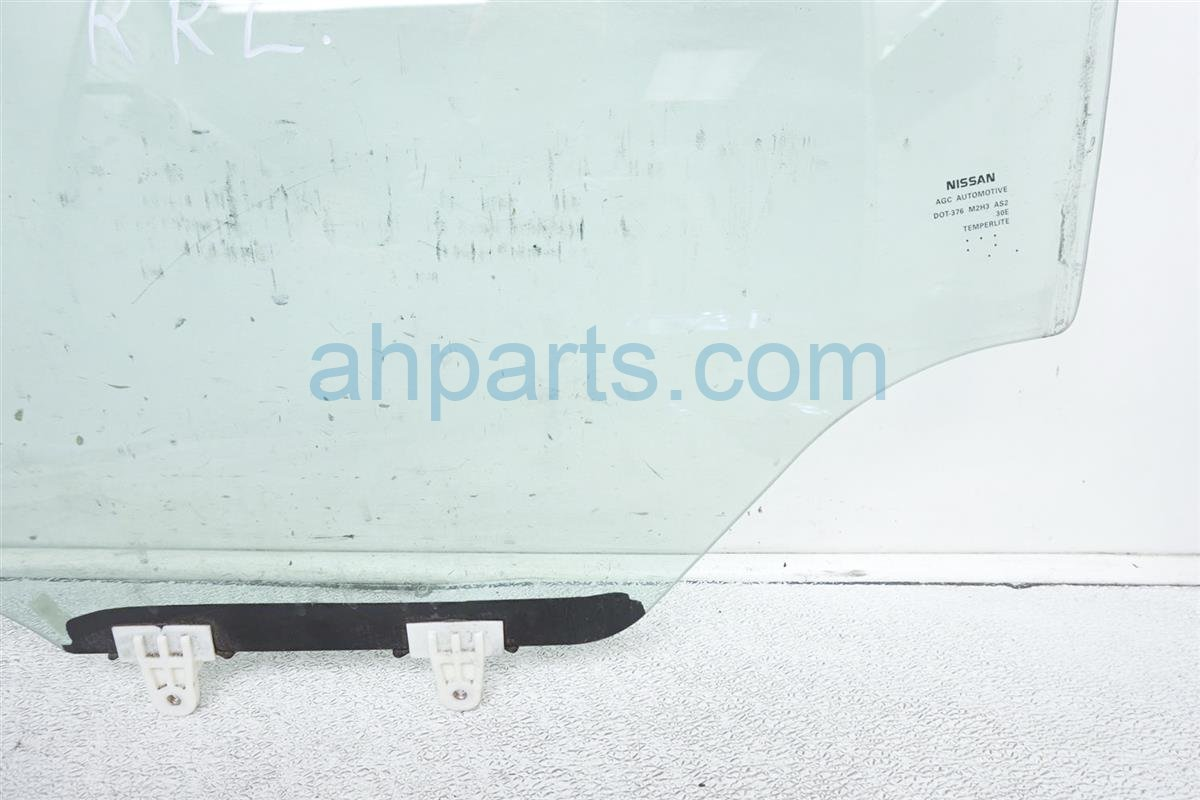 2007 Nissan Sentra 4dr Rear Driver Door Glass Window 82301 ET000 Replacement