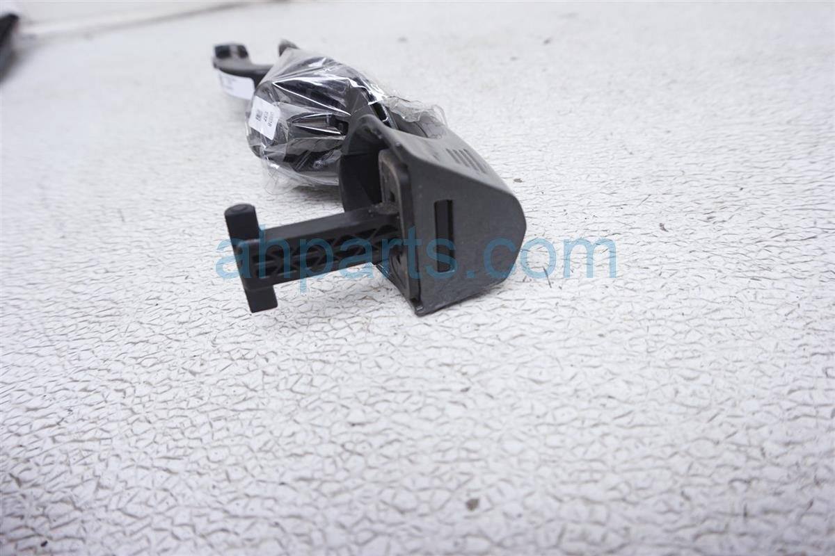 2018 Ford Mustang Outside/exterior Front Passenger Door Handle JR3Z 6322404 AAPTM Replacement