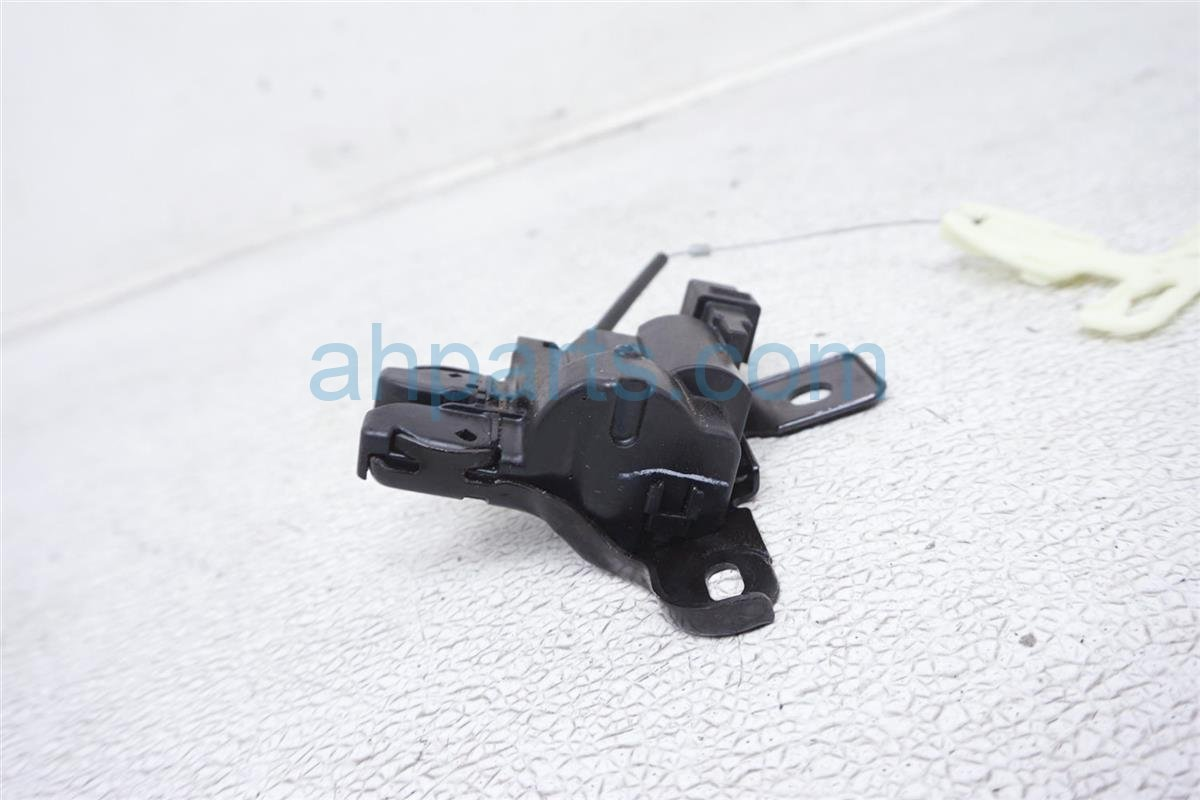 2018 Ford Mustang Trunk Latch Lock Actuator FR3Z 5443200 B Replacement