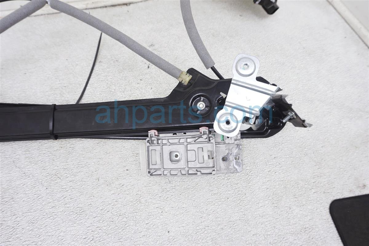 2018 Ford Mustang Front Driver Window Regulator FR3Z 6323209 C Replacement
