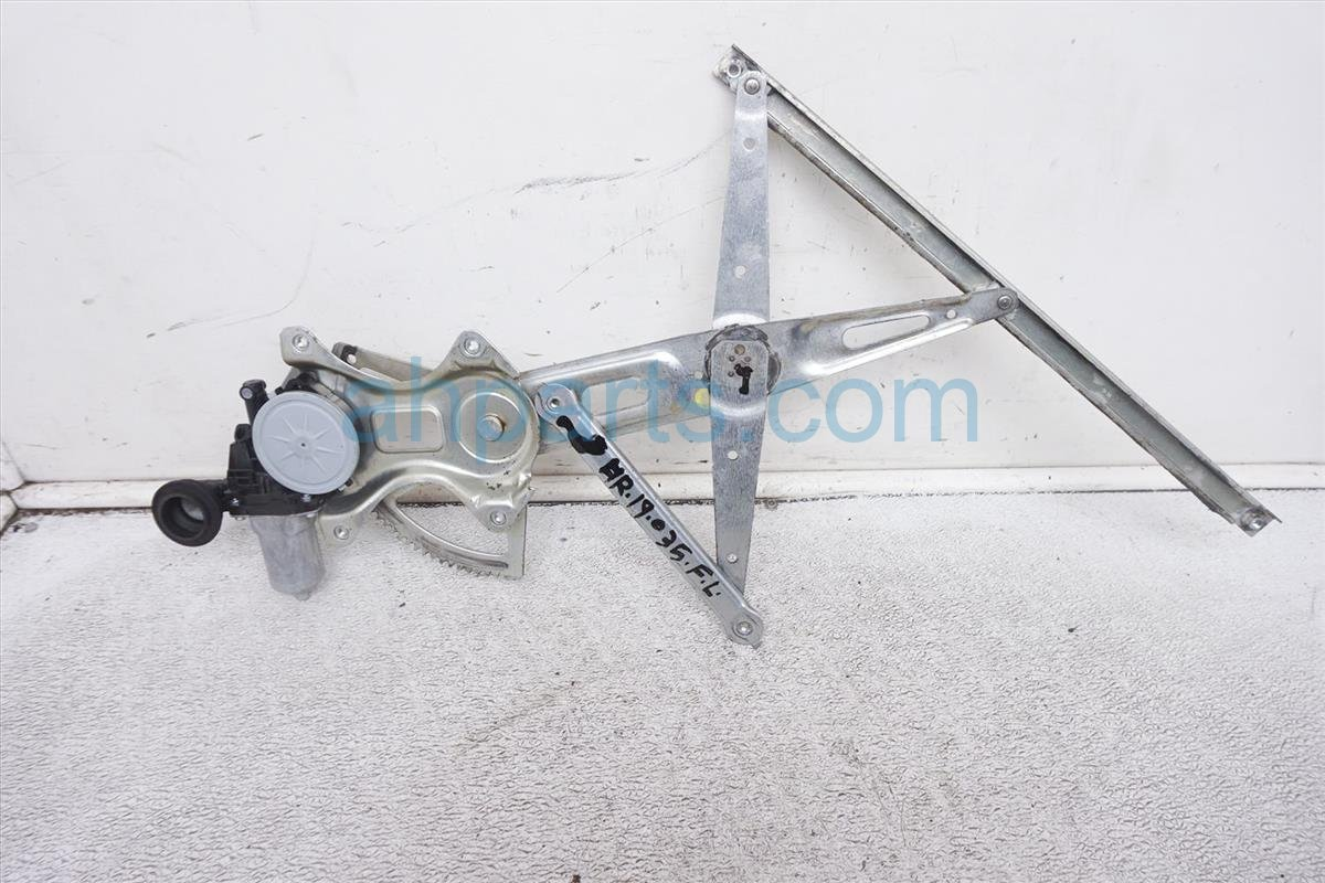 2007 Toyota Prius Front Driver Window Regulator & Motor 85720 AE020 Replacement