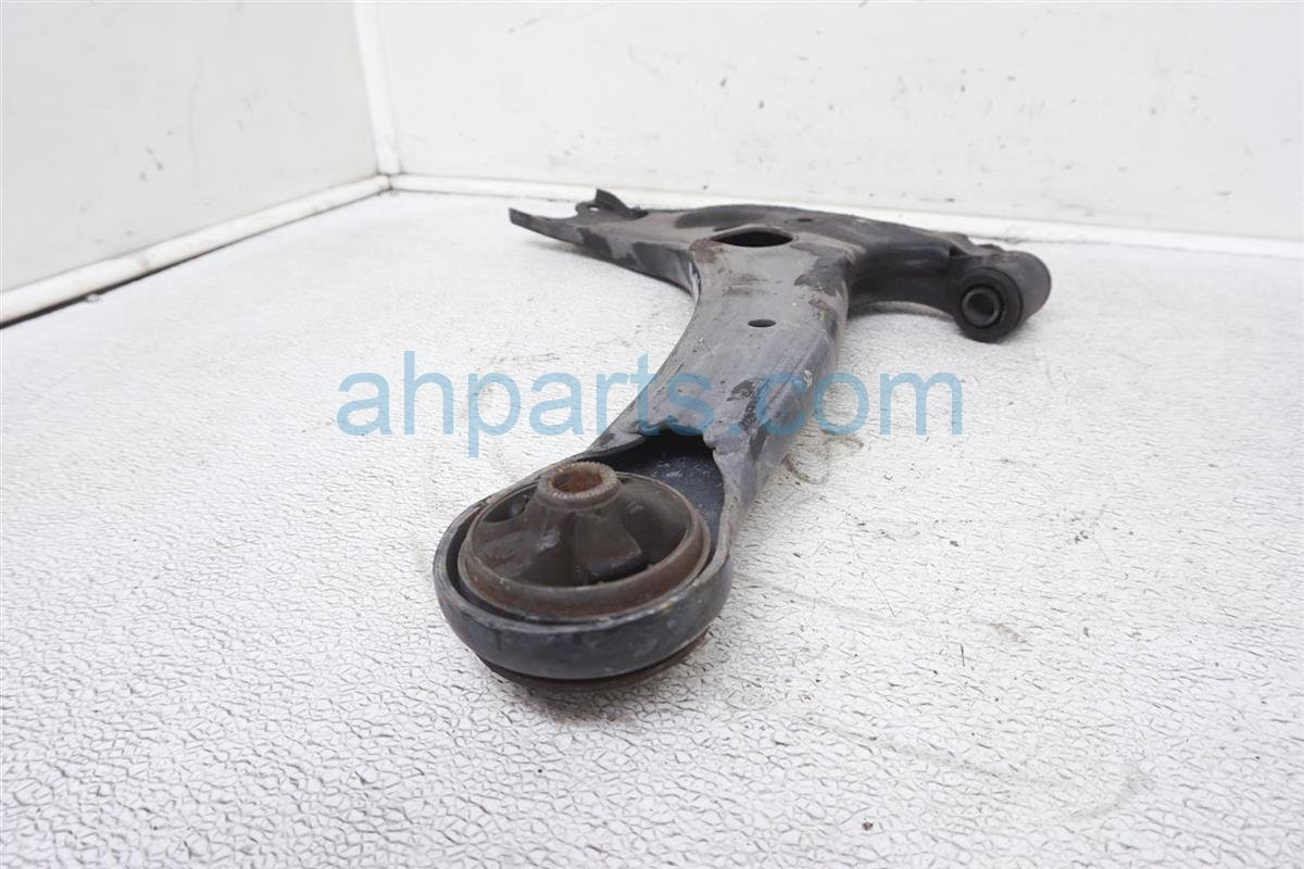 2007 Toyota Prius Front Passenger Lower Control Arm 48068 47040 Replacement