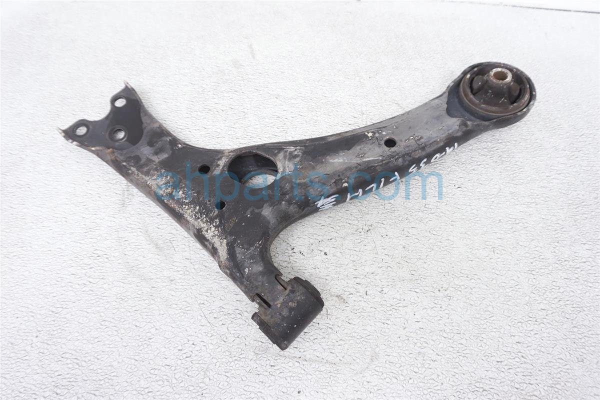 2007 Toyota Prius Front Driver Lower Control Arm   48069 47040 Replacement