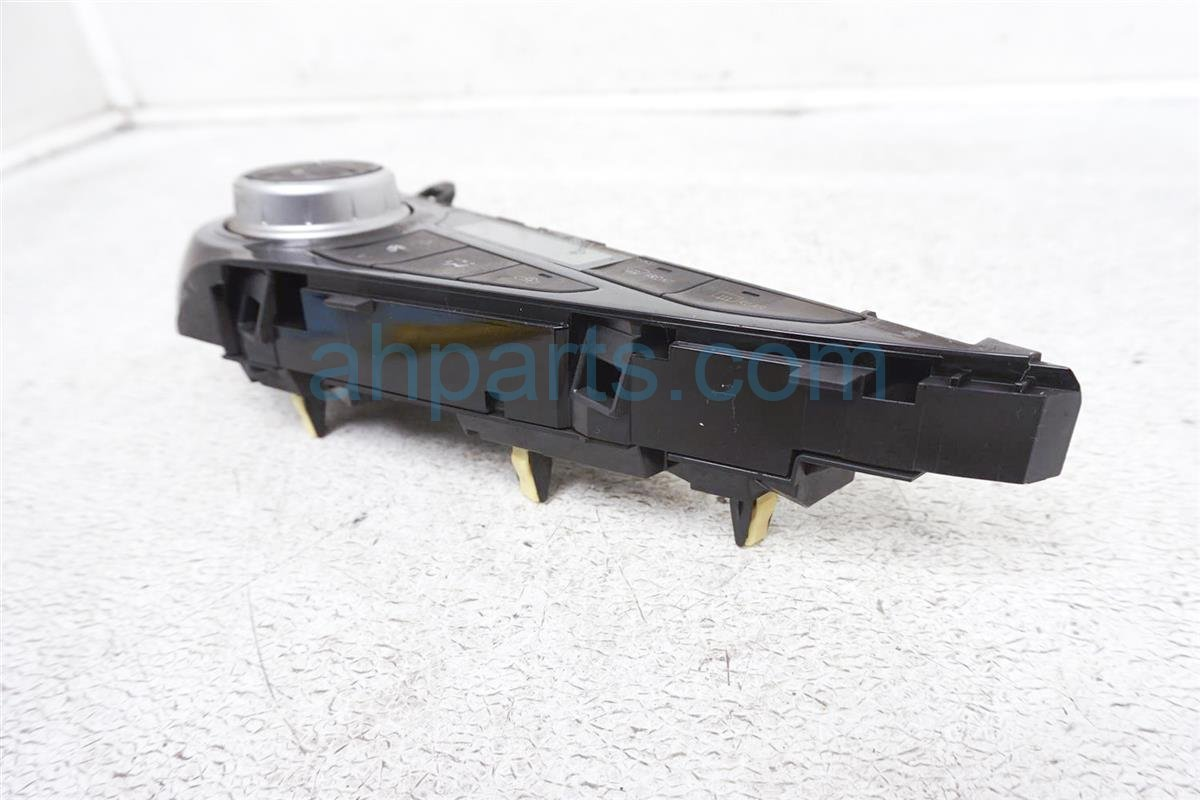 2016 Toyota Prius Temperature Climate Heater/ac Control(on Dash)   55900 52A80 Replacement