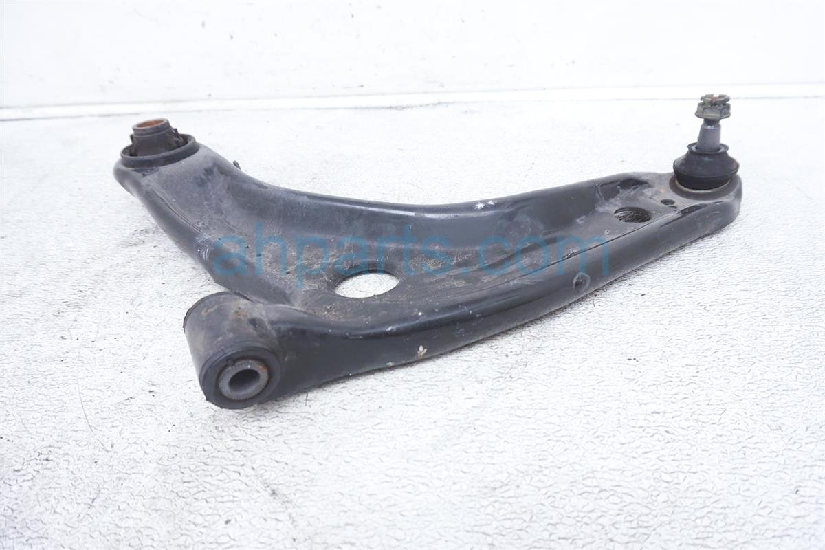 2016 Toyota Prius Front Driver Lower Control Arm 48069 59135 Replacement