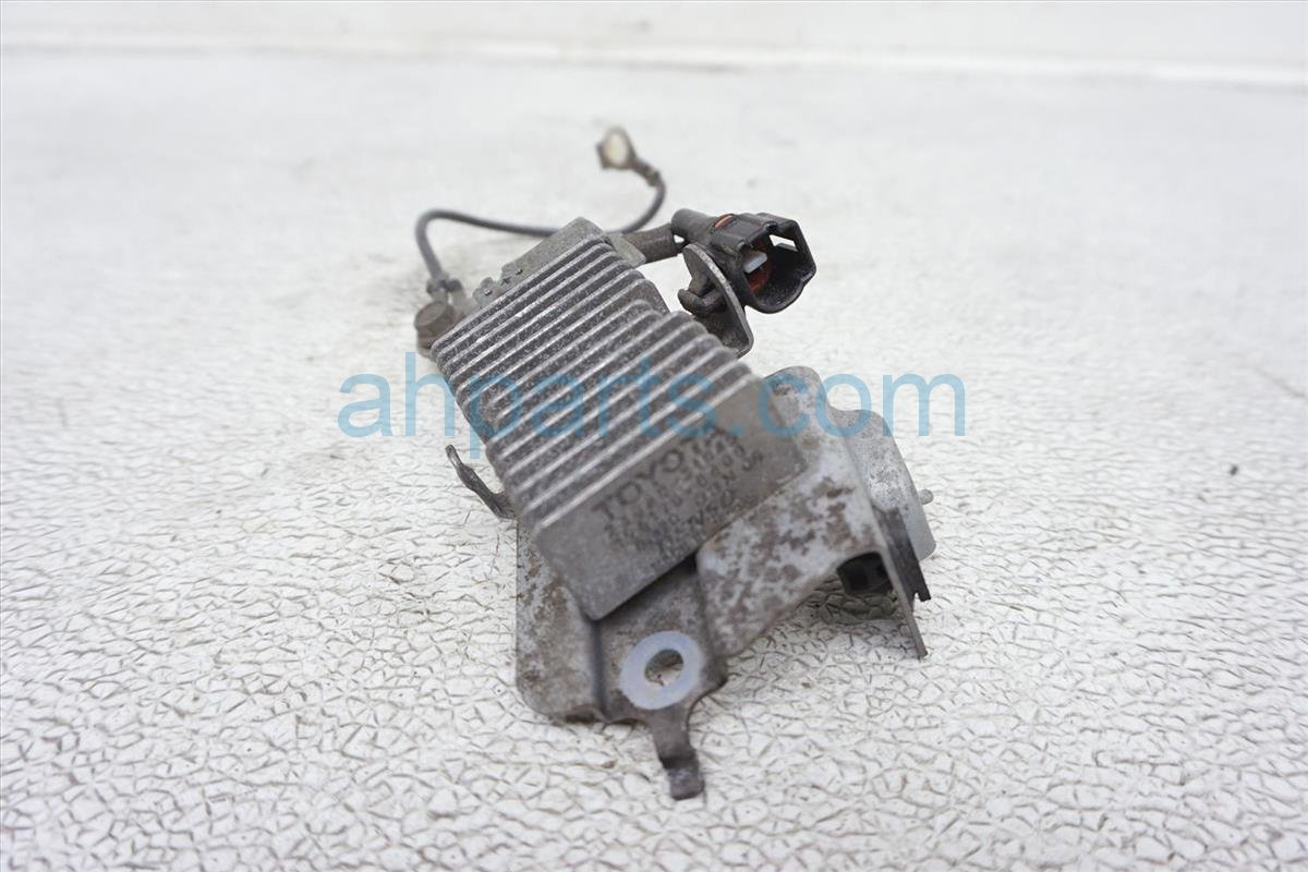 2011 Lexus Is 250 Fuel Resistor Control Unit 23080 31040 Replacement