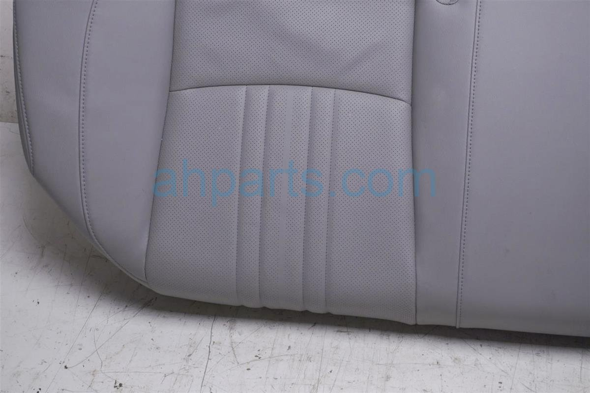 2018 Honda Accord Back (2nd Row) Rear Seat Bottom Portion Gray Leathe 82137 TVC L01 Replacement