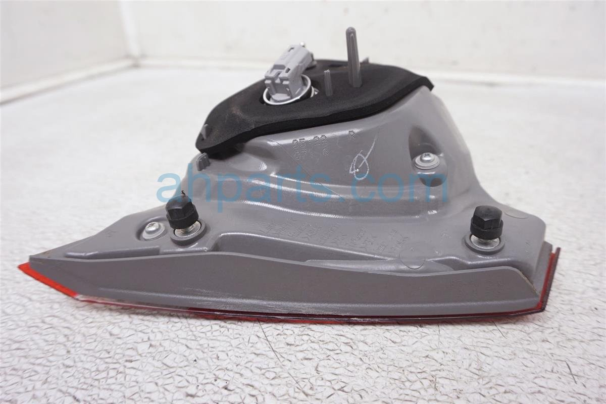 2016 Toyota Camry Rear Passenger Tail Lamp   Light On Trunk 81580 06410 Replacement