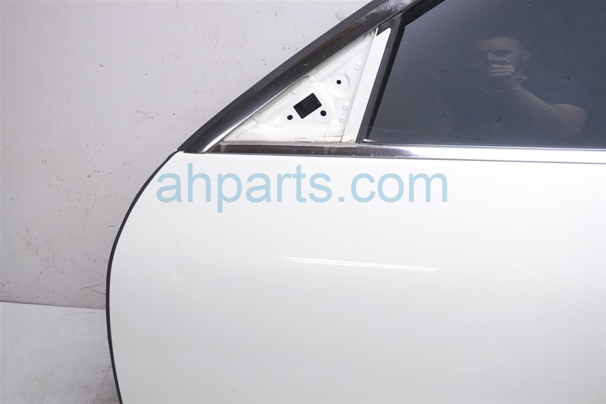 2007 Infiniti M45 Front Driver Door Shell White No Mirror Replacement