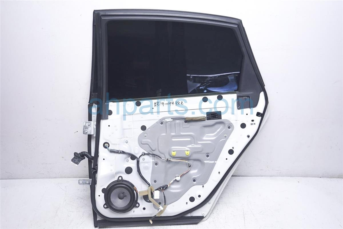 2007 Infiniti M45 Rear Passenger Door Shell White Replacement