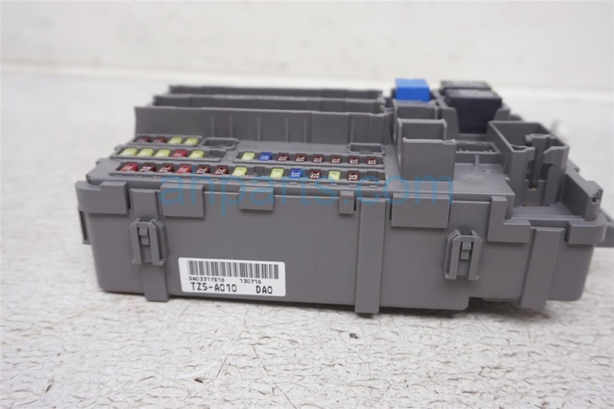 2014 Acura MDX Driver Cabin Fuse Box 38200 TZ5 A01 Replacement