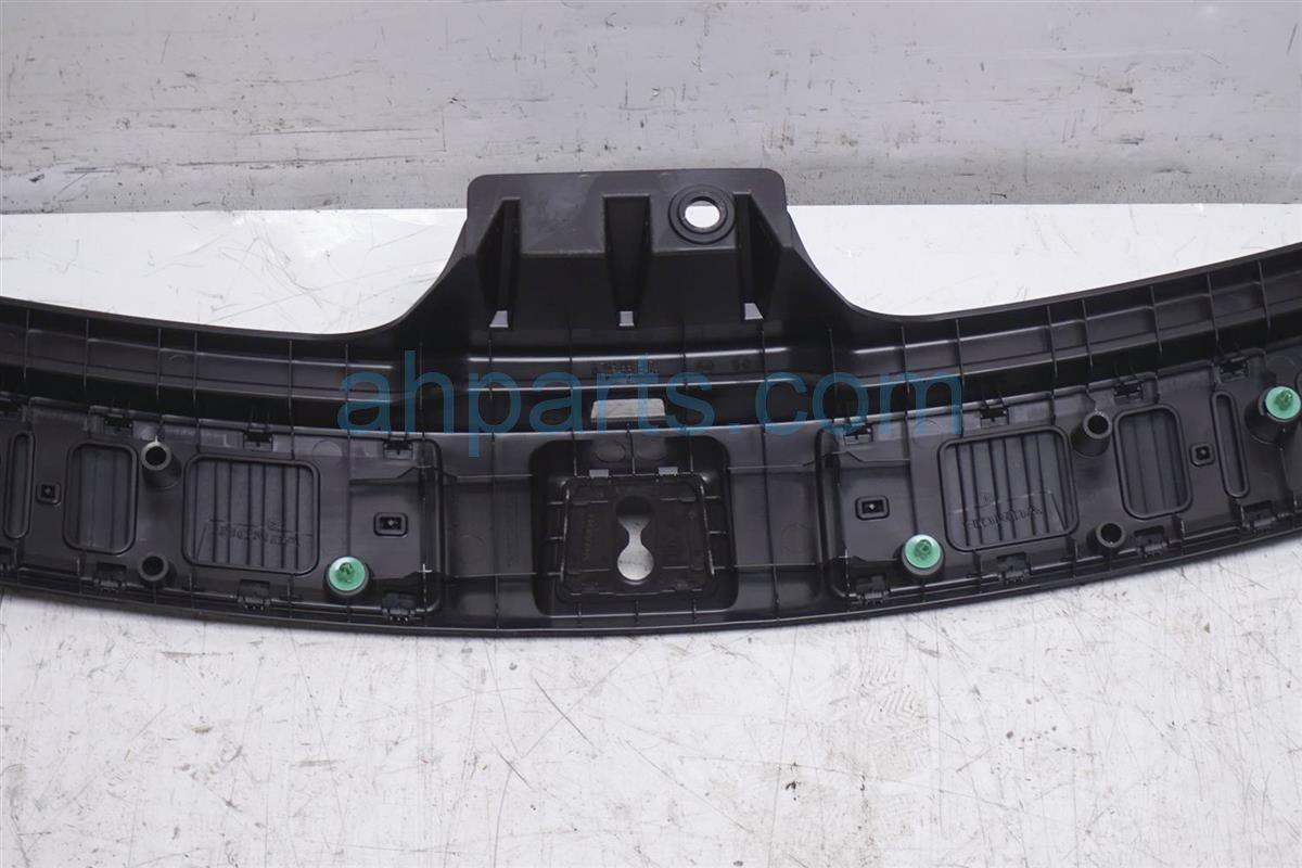 2014 Acura MDX Deck / Trunk Lid Tailgate Bumper Trim Liner Garnish 84675 TZ5 A11ZB Replacement