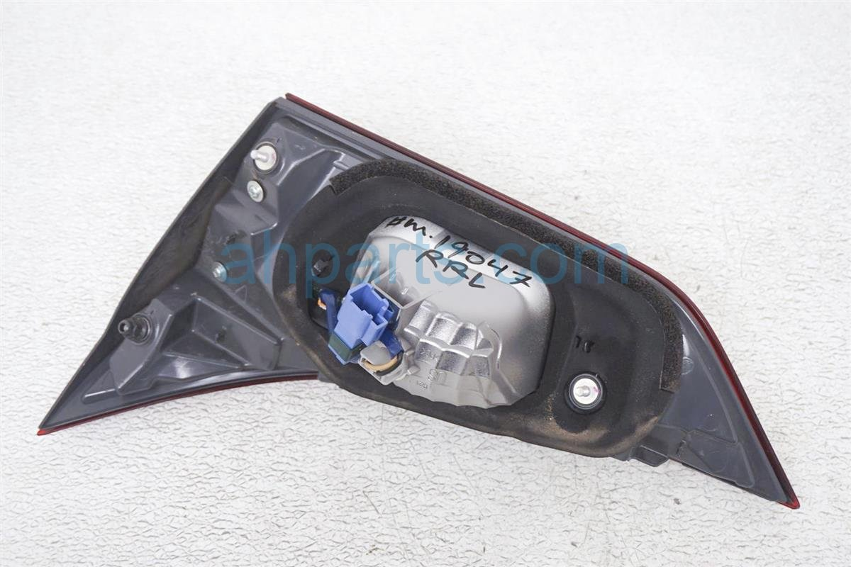 2017 Toyota IM Rear Driver Tail Lamp   Light On Trunk 81591 12170 Replacement