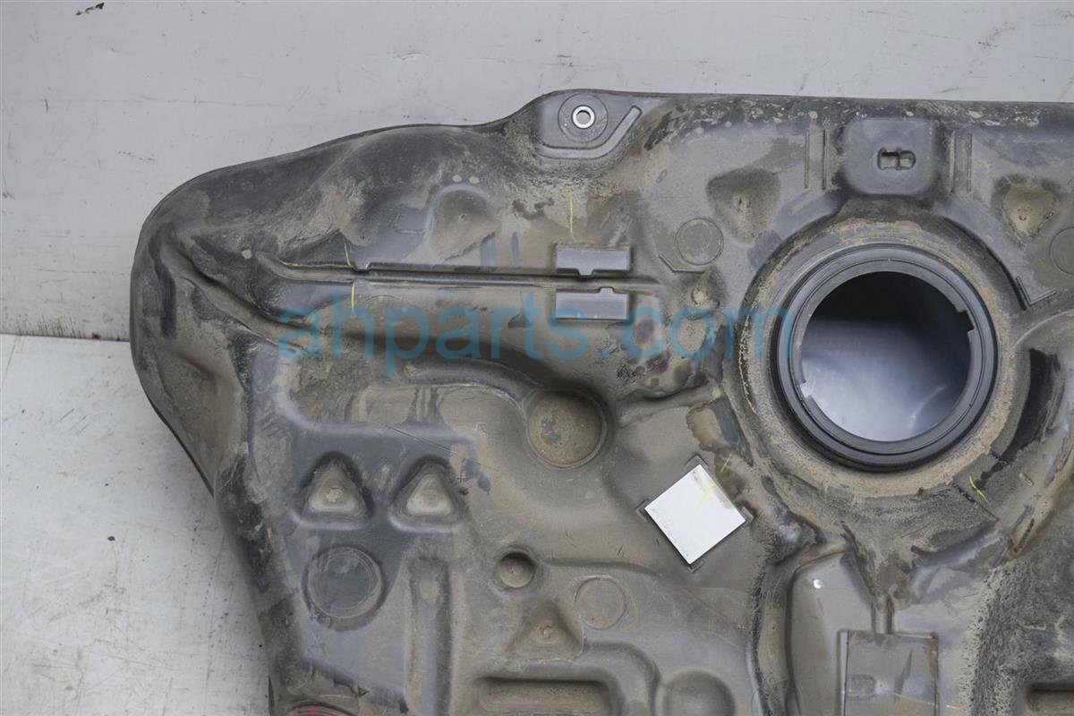 2017 Toyota IM Gas / Fuel Tank 77001 12E60 Replacement
