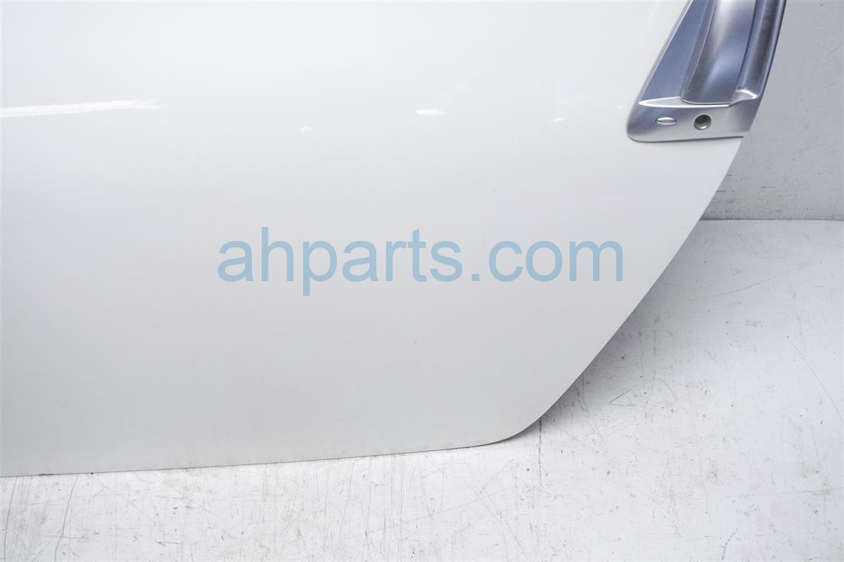 2016 Nissan 370z Front Driver Door No Trim Or Mirror White Replacement