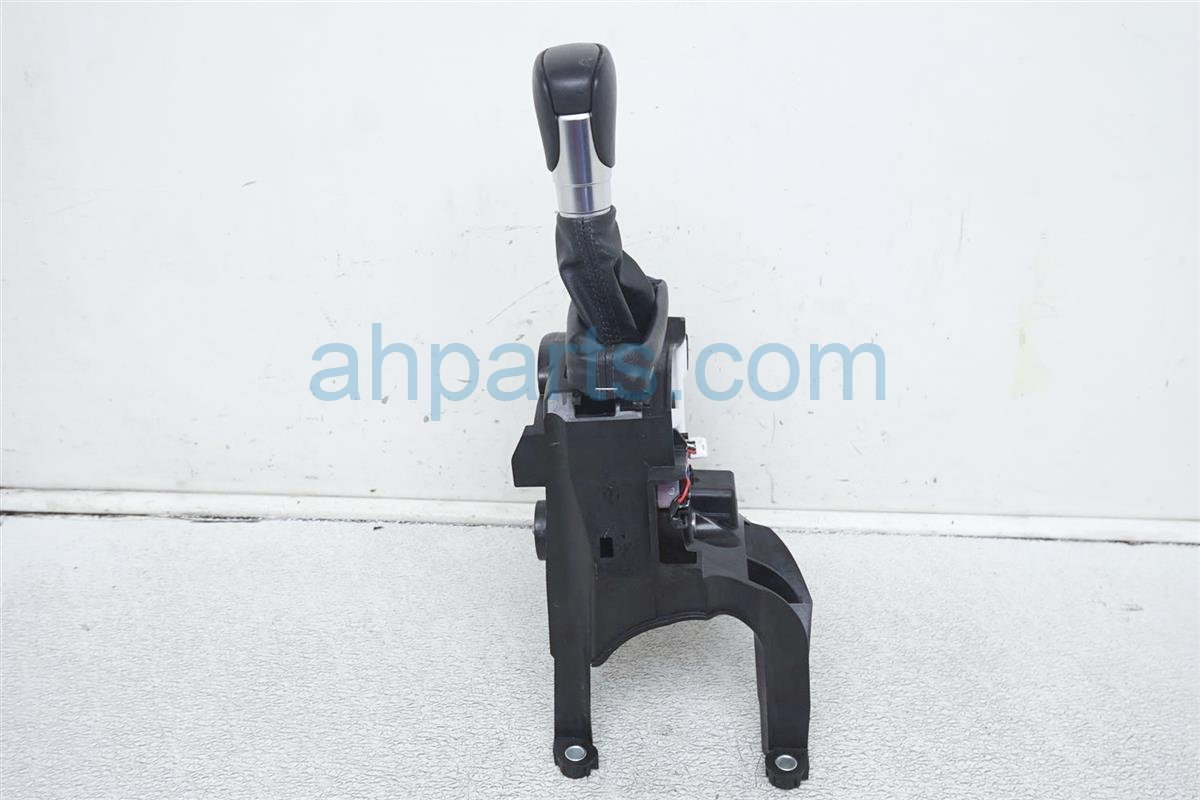 2018 Honda Accord Shifter Assy 54200 TVA L93 Replacement
