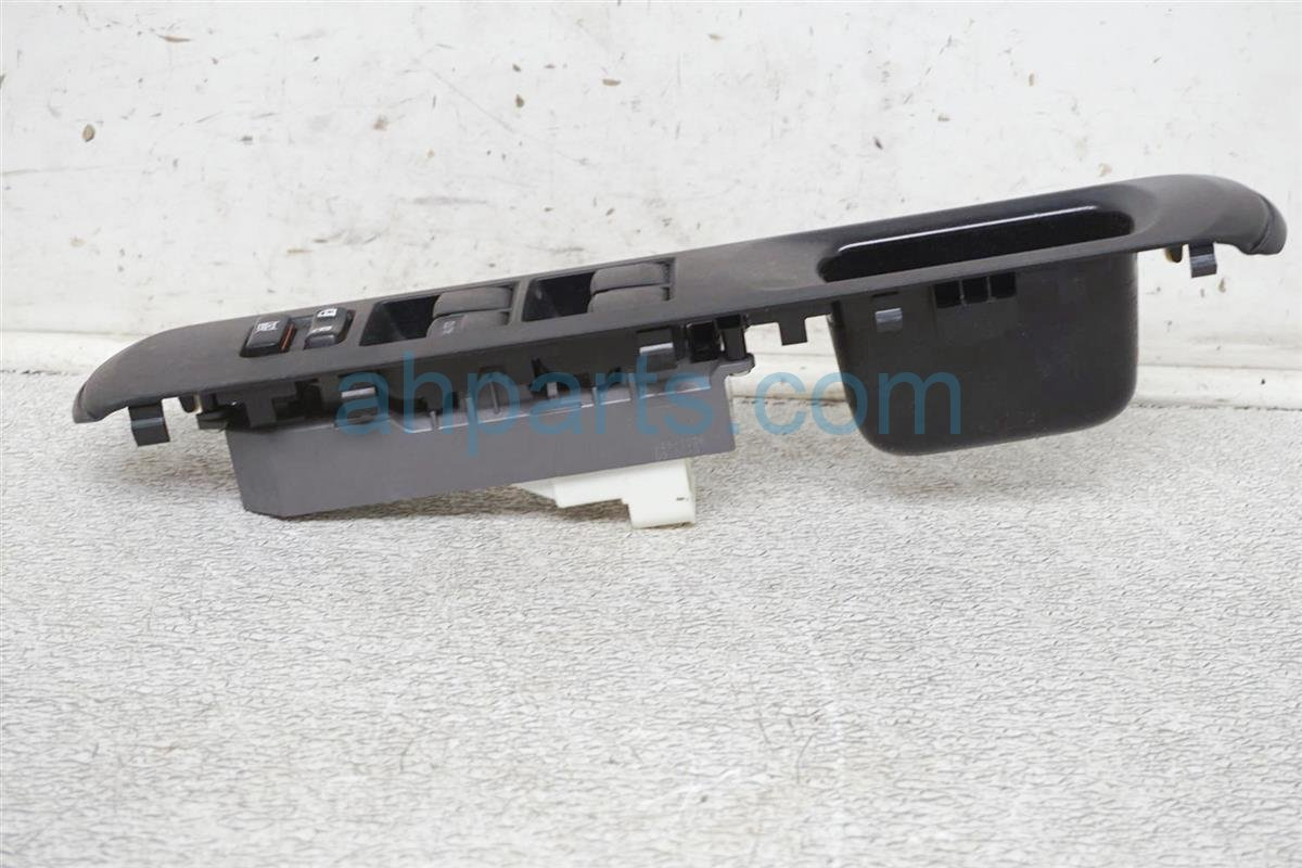 2012 Toyota Prius Power / Master Window Control Switch 84820 52390 Replacement