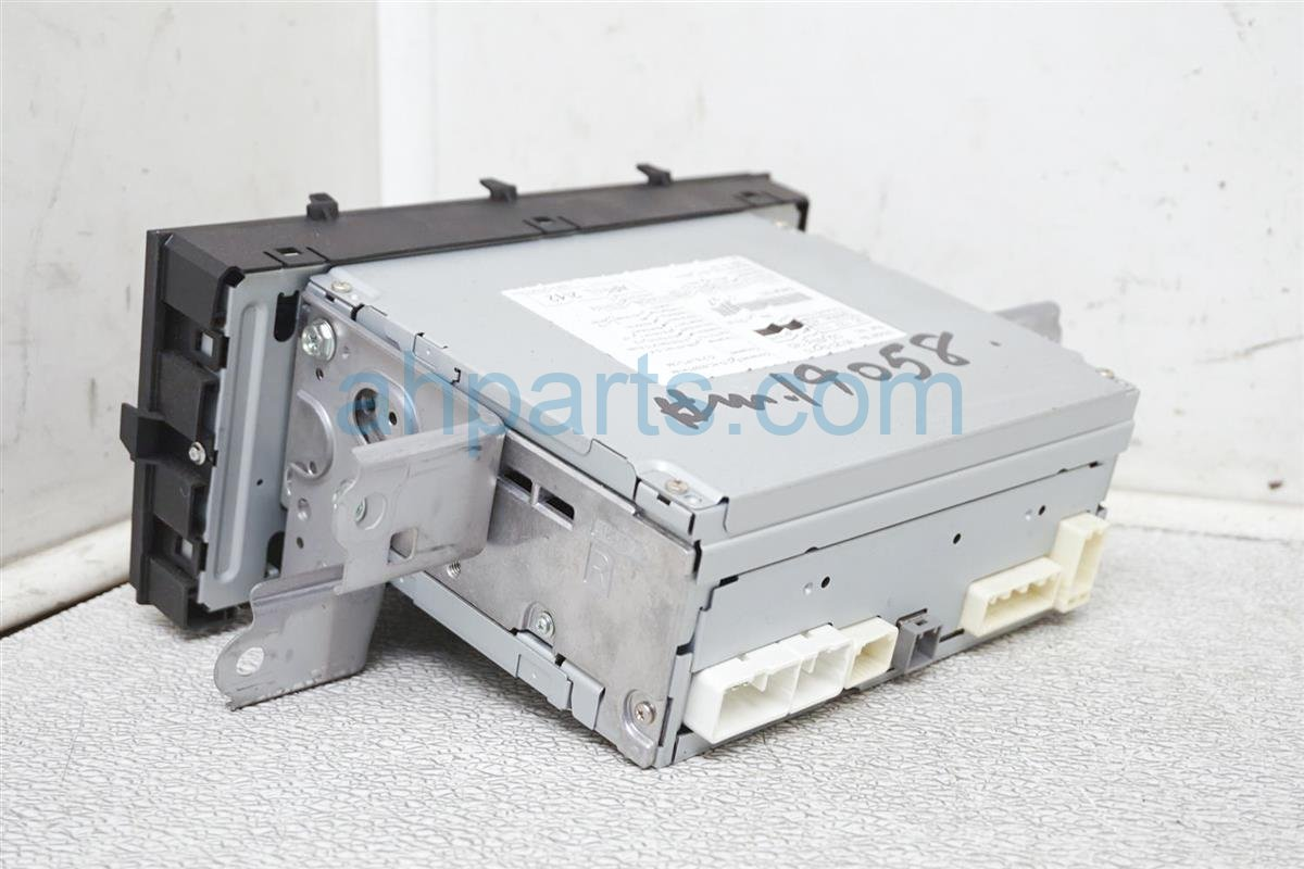 2012 Toyota Prius Am/fm/cd Radio 518c1 86120 52D10 Replacement