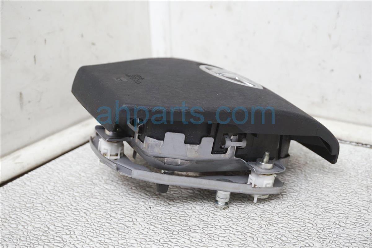 2012 Toyota Prius Driver Wheel Airbag (air Bag) Gray 45130 52720 C0 Replacement