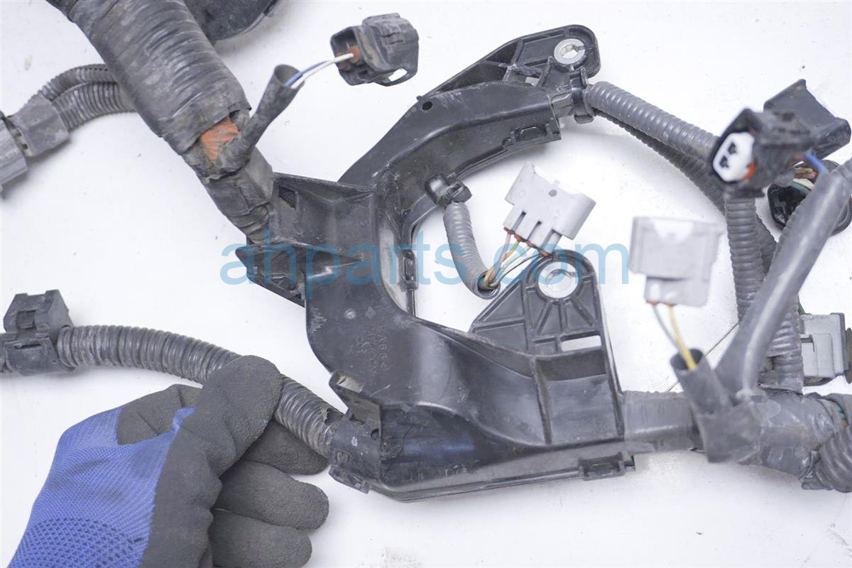 2012 Toyota Prius Engine Wire Harness   At   Prius C 82121 52R20 Replacement