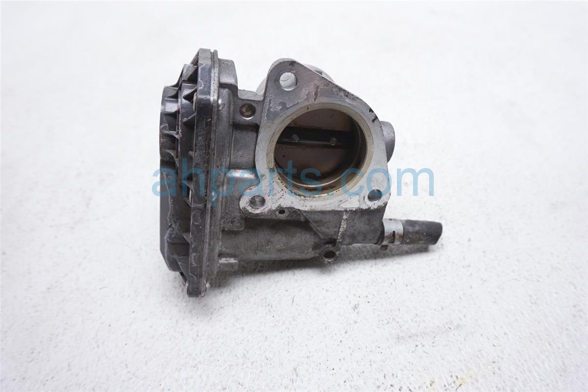 2012 Toyota Prius Throttle Body   22030 47040 Replacement
