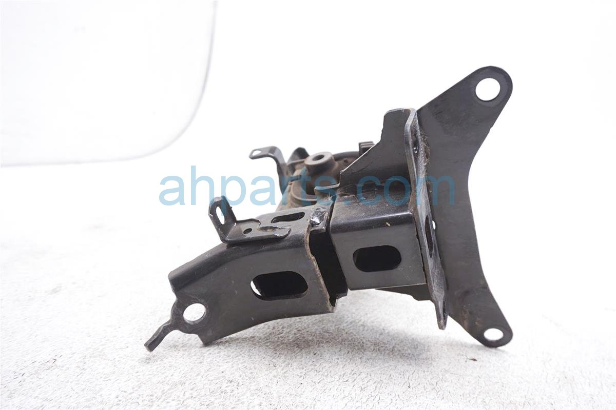2012 Toyota Prius Engine/motor Driver Engine Side Mount 12372 21390 Replacement