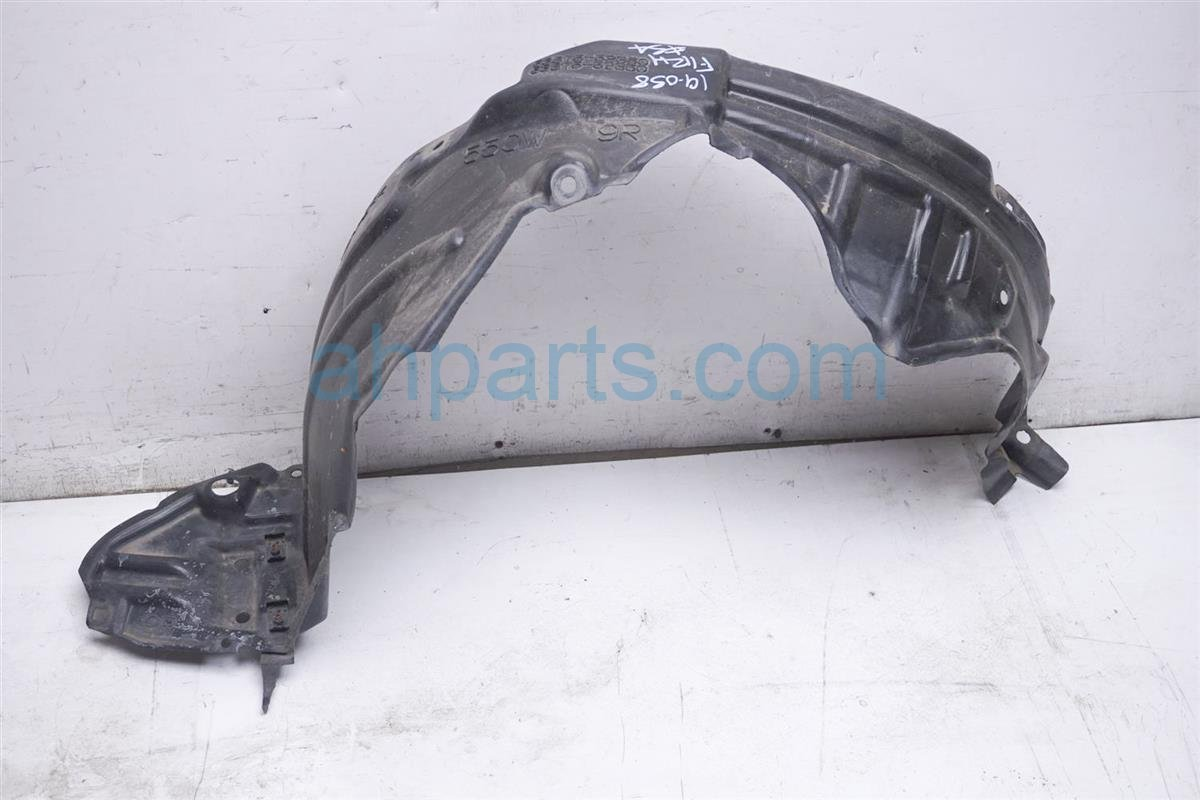 2012 Toyota Prius Right Fender Liner 53875 52360 Replacement
