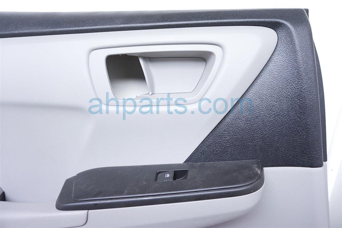 2016 Toyota Camry Trim / Liner Rear Driver Door Panel   Light Grey 67640 06F62 B3 Replacement